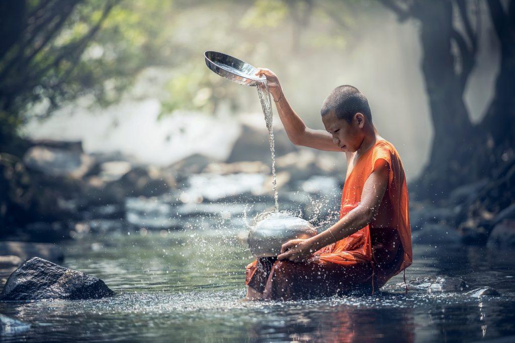 буддист и вода