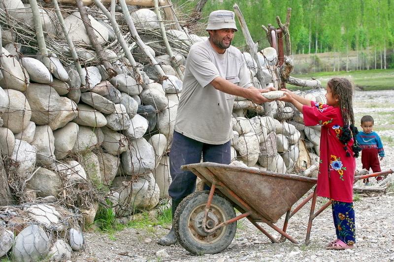 Ушаков Владислав, Каждый год-селеотвод, Кишлак Самаркандык Баткенская область. Кыргызстан