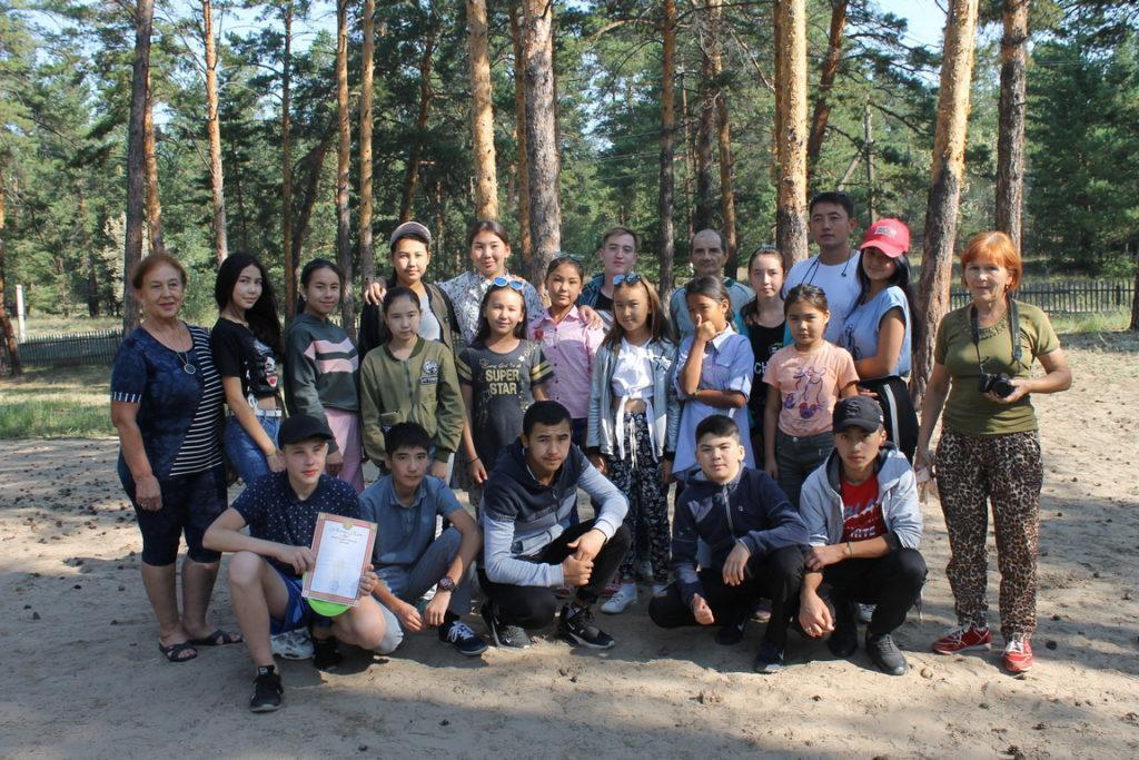Летний лагерь в лесу